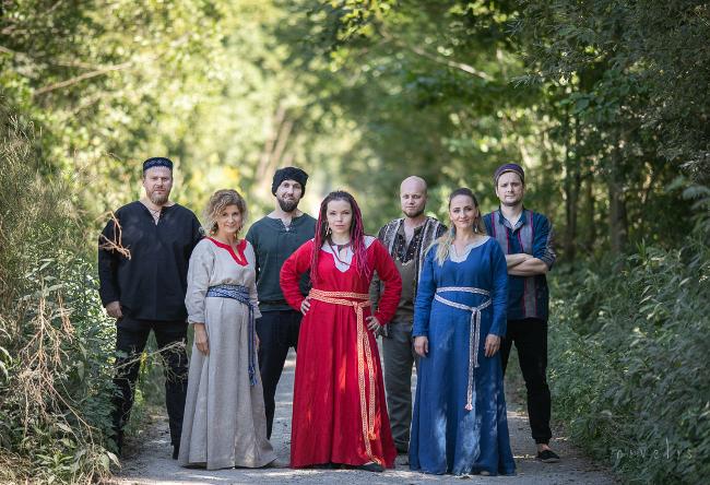 zespół Łysa Góra, trzy kobiety i czterech mężczyzn