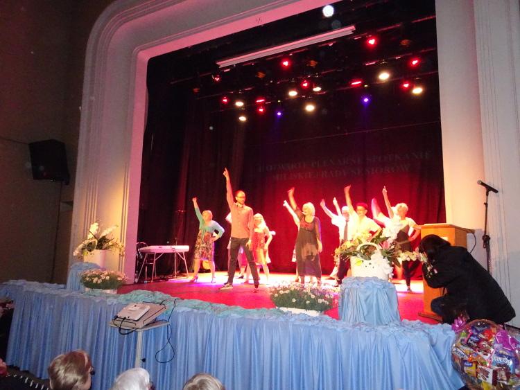 Grupa taneczna z Centrum Seniora