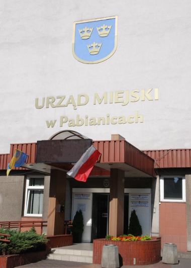 wejście do budynku Urzędu